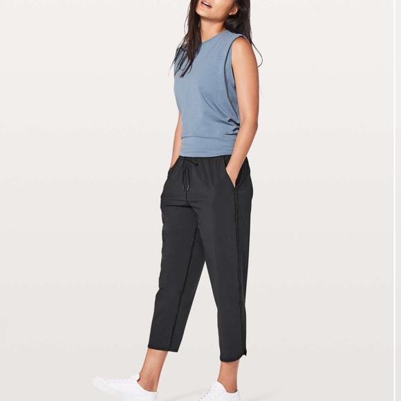 Lululemon keep it classic crop pants black